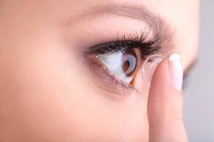 come applicare e rimuovere le lenti contatto roma
